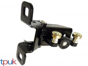 RIGHT HAND SLIDING DOOR MIDDLE ROLLER RUNNER TRANSIT MK6 2000-2006